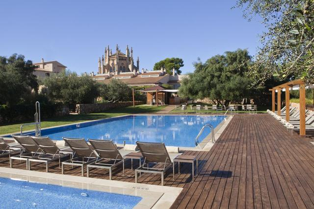 Pool bar  hotel sa torre mallorca llucmajor